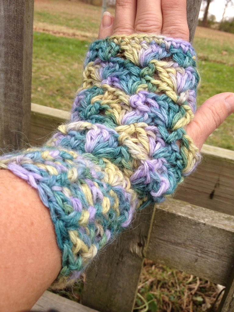 Lacey Alpaca Fingerless Mitts - Wisteria Way 17653