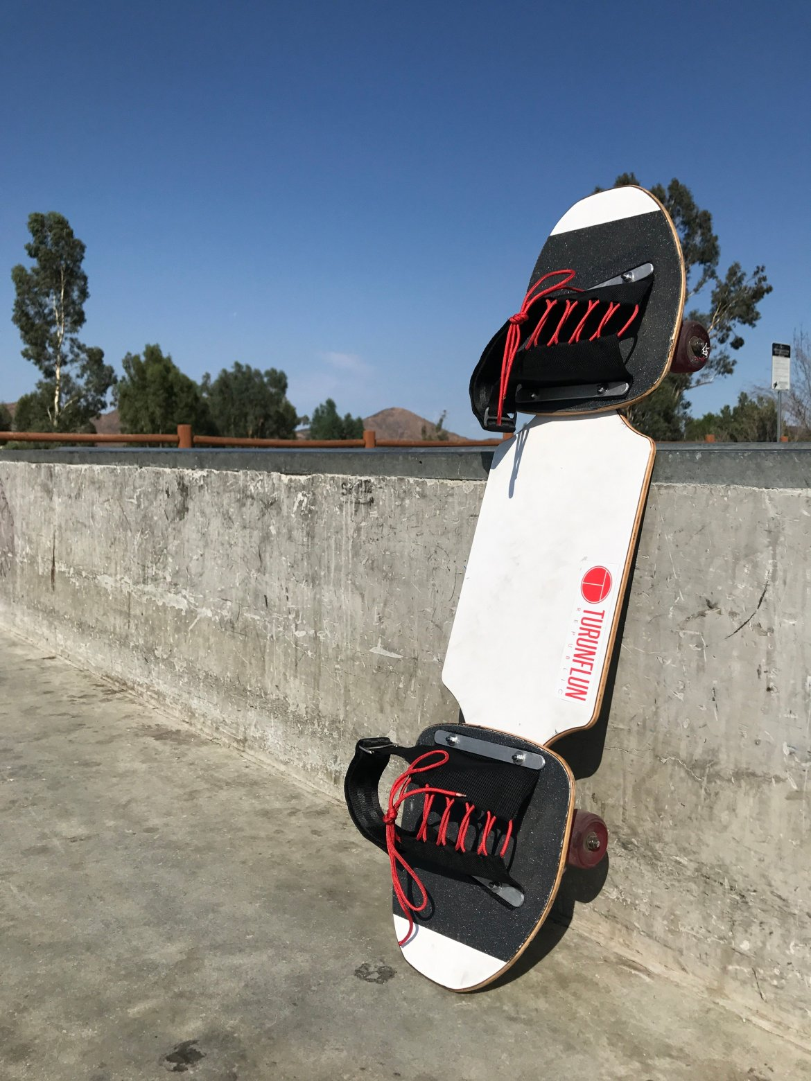 Rogue Pivotboards Third Wave Elite Complete - Ready-to-Ride Pivotboard with Ballistic Bindings