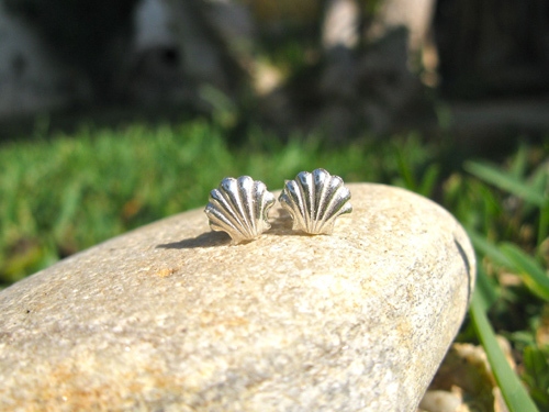 Silver earrings handcrafted by silversmiths in Spain