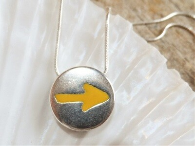 Camino yellow arrow necklace - keep the dream alive. Cost price gift!