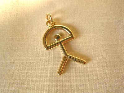 Indalo pendant ~ classic, 9ct gold, 31mm