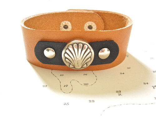 Natural tan leather bracelet with black leather trim
