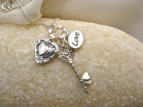 Key to my heart necklace ~ silver 00776