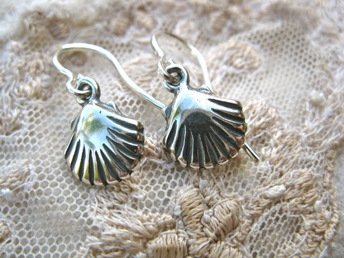Santiago scallop shell earrings ~ for hope, and safe travels 00778