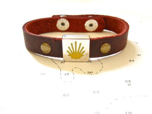 Camino de Santiago Way of St James charm bracelet - leather MCJ01176