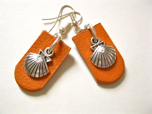 Orange leather Camino earrings
