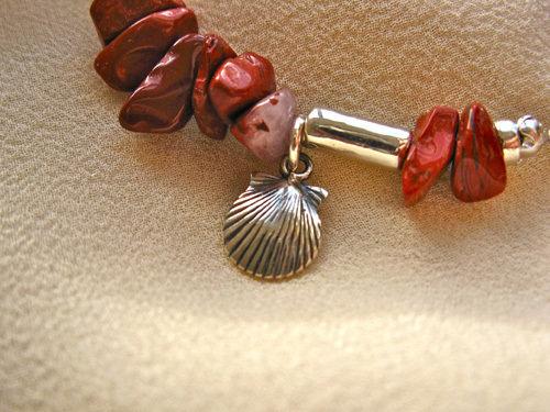 Scallop shell charm