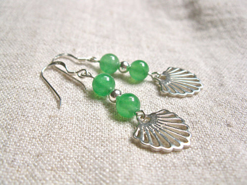 Beautiful handcrafted aventurine  and sterling silver Camino earrings