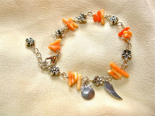Coral travel bracelet with concha + angel wing 01185