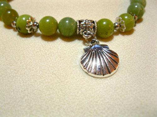 Olive jade gemstones
