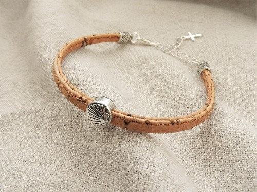 Camino jewellery safe travel bracelet - cork with silver and shell