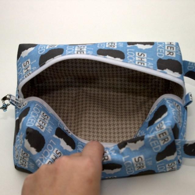 Sher-Locked - Regular Box Bag