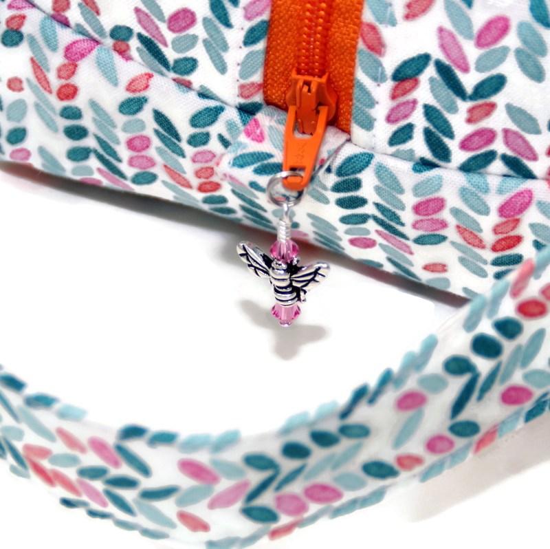 Knit Stitch in Aqua- Regular Box Bag