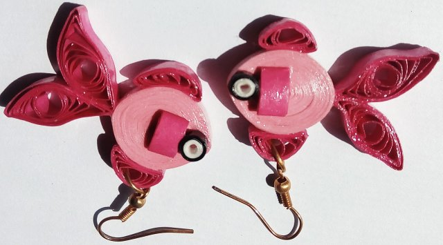 Stylish and trendy quilled paper earrings