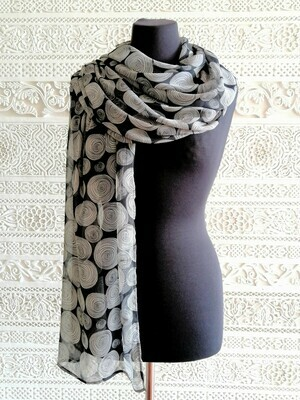 Saira - Scarf with black circular design