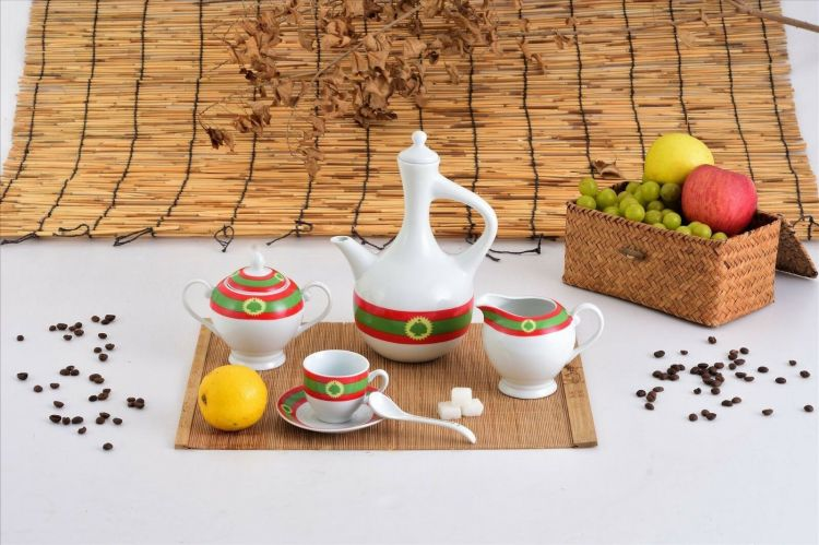 Ethiopian Coffee Cups and Jebena Set   Oromia Culture   23 Pcs