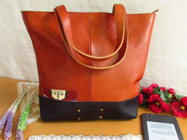 Brown leather tote ethio face 00103