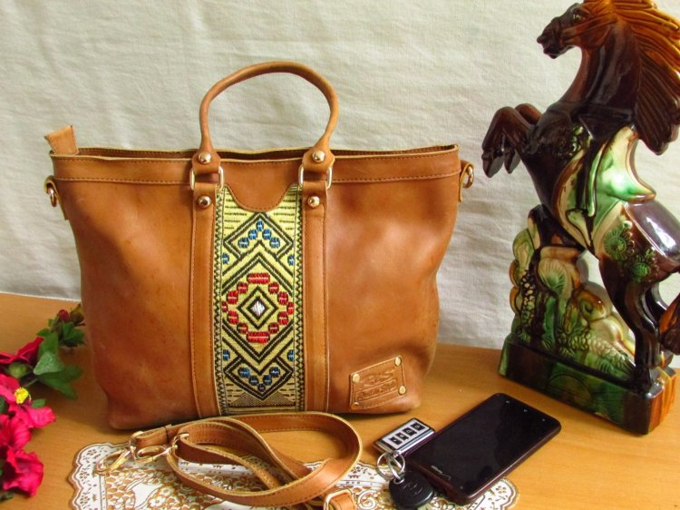 Brown leather tote tilet 00104
