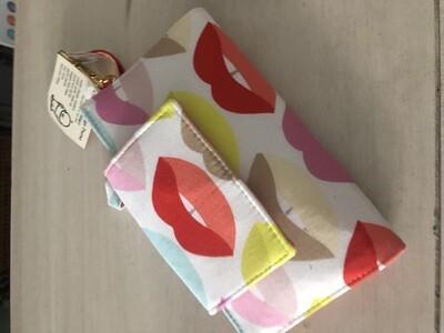 Lips Wallet