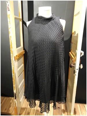 Modern Vintage Inspired Pleat Swing Dress