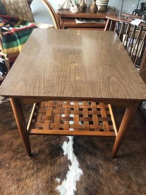 Mid Century Lane Altavista End Table With Woven Wood Shelf