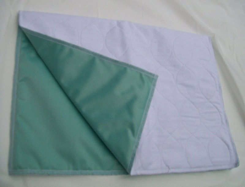 24 x 24 Pipi Pad Lavable blanc
