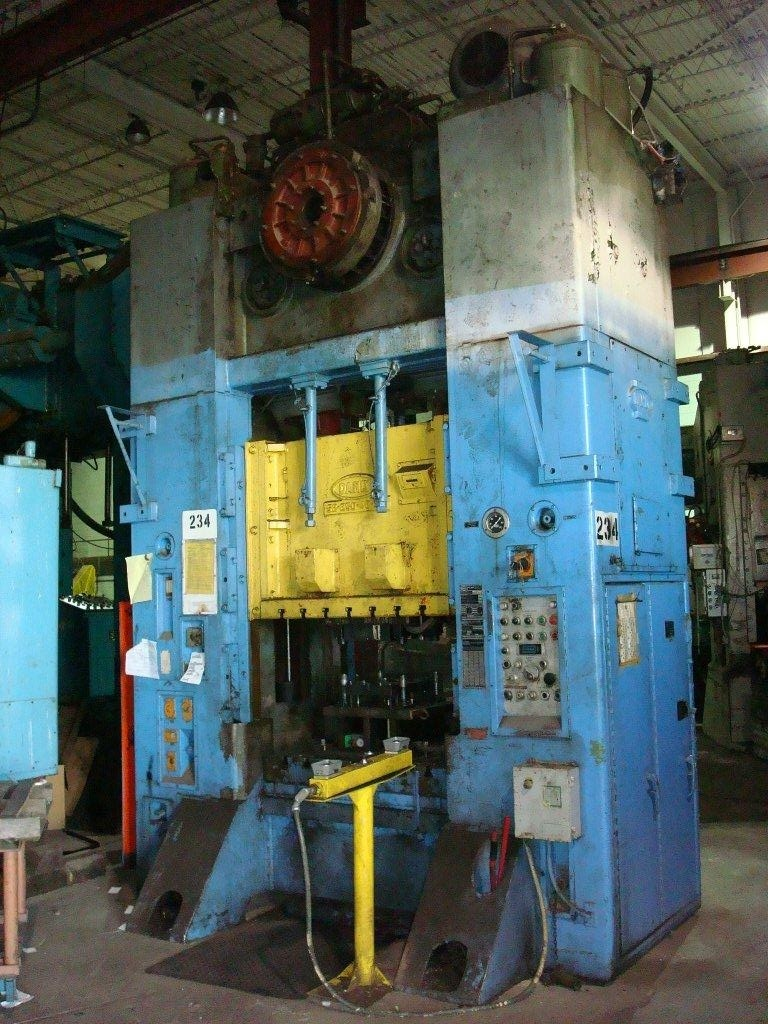 1 - USED 250 TON DANLY S2 ECCENTRIC DRIVE PUNCH PRESS C-3294