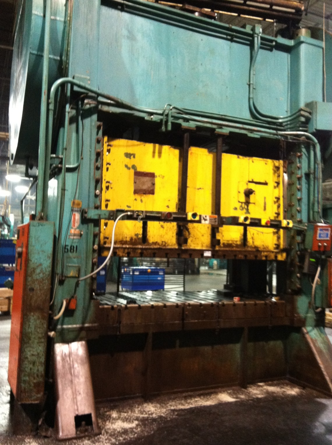 1 - USED 500 TON BLISS STRAIGHT SIDE  POWER PRESS C-3706