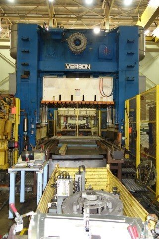 1 – USED 300 TON VERSON 4-POINT STRAIGHT SIDE PRESS C-5454