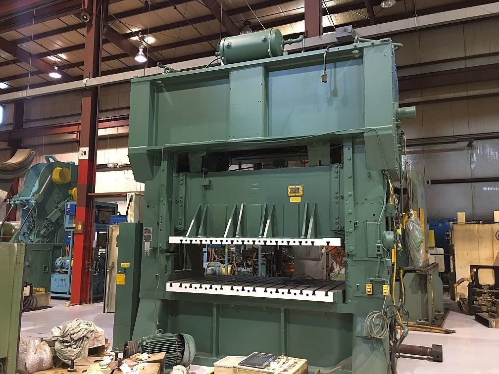 1 – USED 300 TON MINSTER HEVISTAMPER STRAIGHT SIDE MECHANICAL PRESS