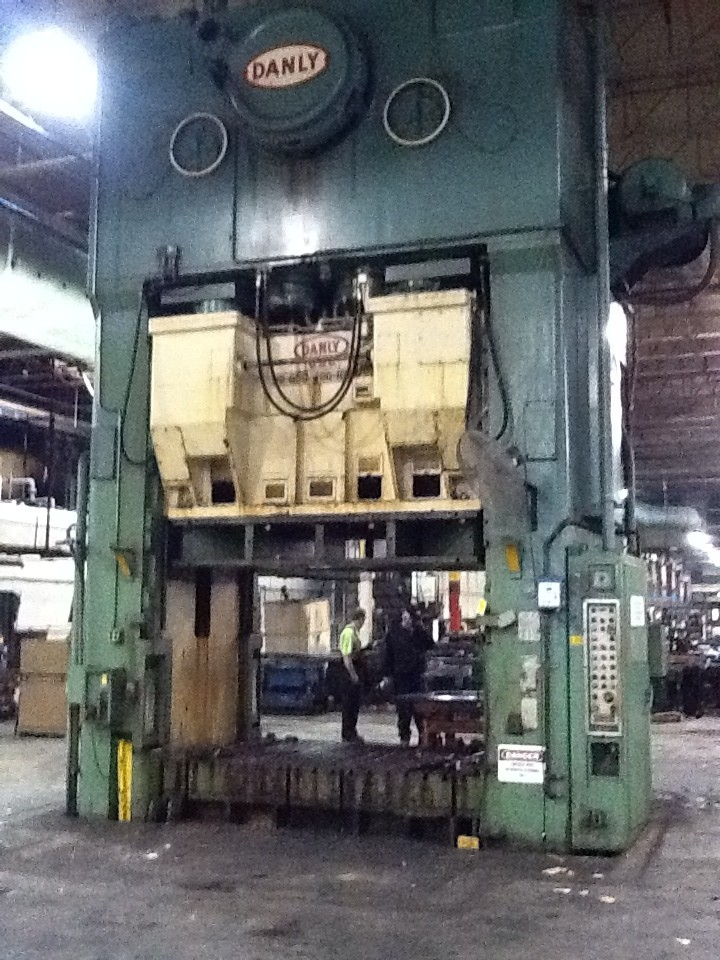 1 – USED 1,000 TON DANLY MECHANICAL TRIPLE ACTION PRESS