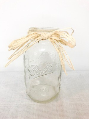 Mason Jar (32 oz) with straw bow