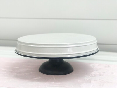 White and Black Cake Stand