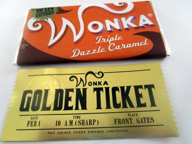 Modern Golden Ticket & Replica Bar Set elf1103