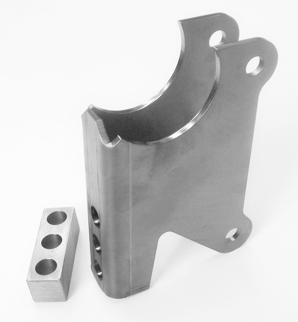 Axle Bracket Kit, Parallel Four Link 207680-2