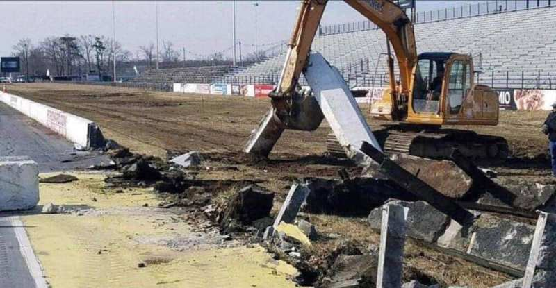 Tearing down Englishtown