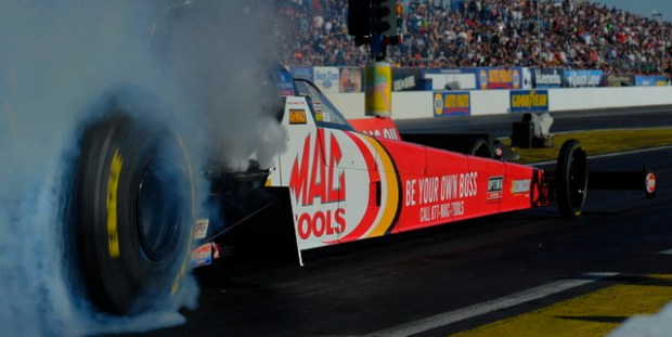 NHRA_Kalitta_burnout_Phx640