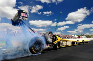 NHRA_Schumacher-burnout_Epping