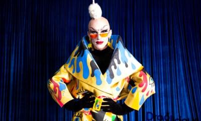 A drag queen de Nova York, Sasha Velour, refle desde o ano de sua vitória em RuPaul's Drag Race.