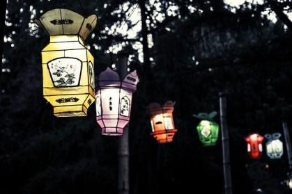 Podéis elaborar vuestro propio farolillo para el desfile de la luz.