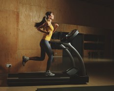 woman-on-treadmill