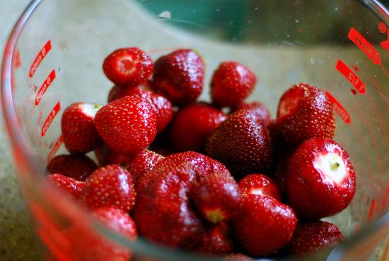 strawberries in bowl 1