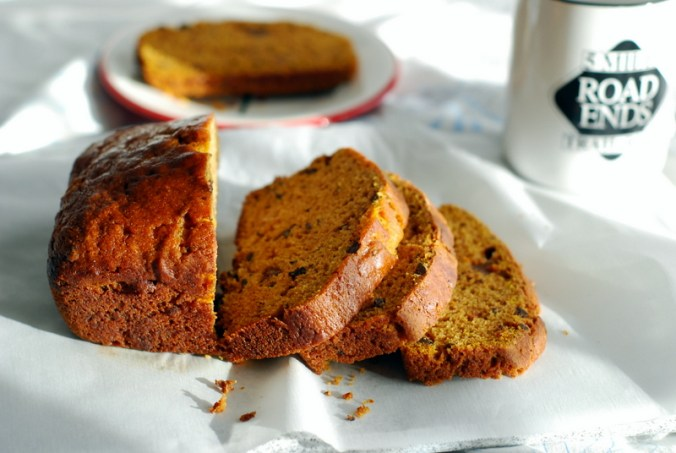 pumpkin chocolate chip bread 10701