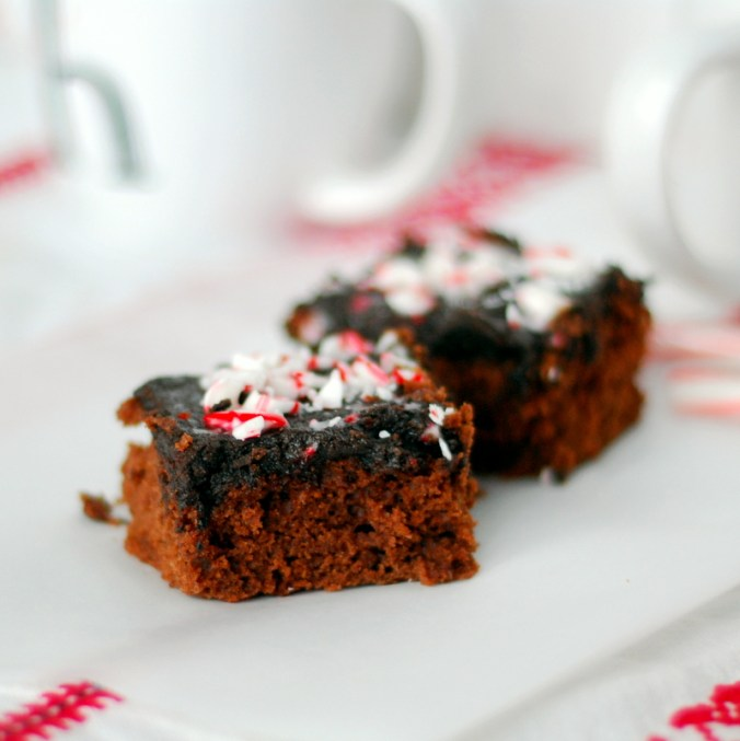 candy cane brownie cake with mugs 2