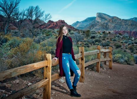 16_best high school senior photos, las vegas red rock canyon mountains, girl senior photography