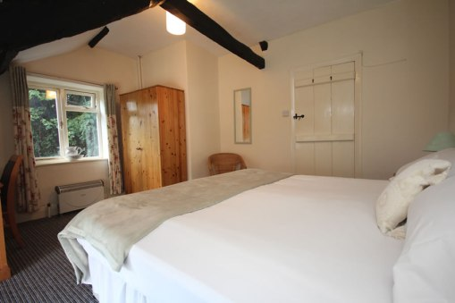 Wisteria Cottage Double Bedroom