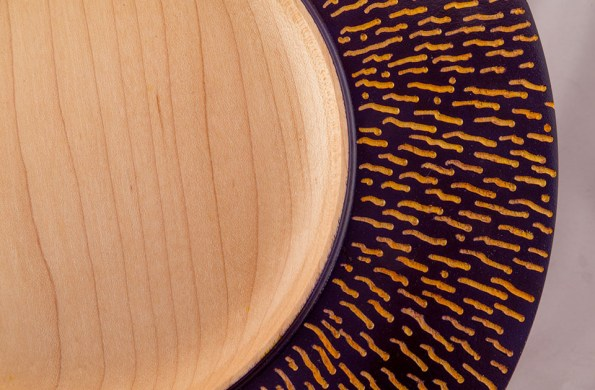 Carved Plate Wavy Lines