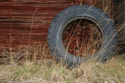tires-715357_1920