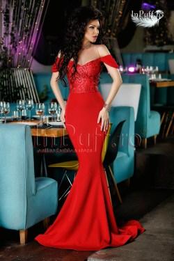 rochie-lunga-rosie-cu-trena-1492770073-4