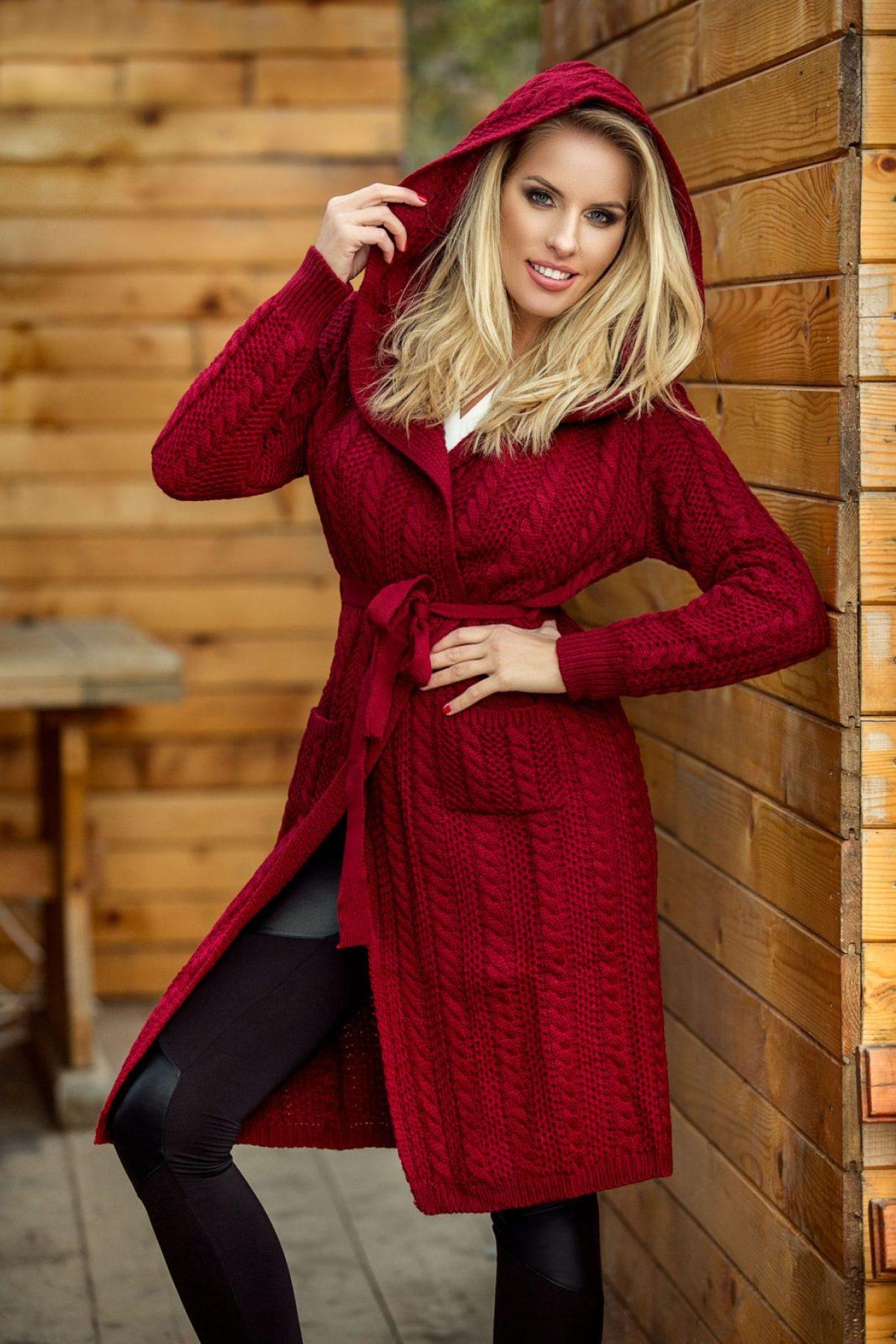 pulover bordo cu gluga